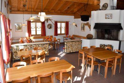 Restaurant STEIL'ALVA innen Savognin Radons Riom Skipiste essen trinken