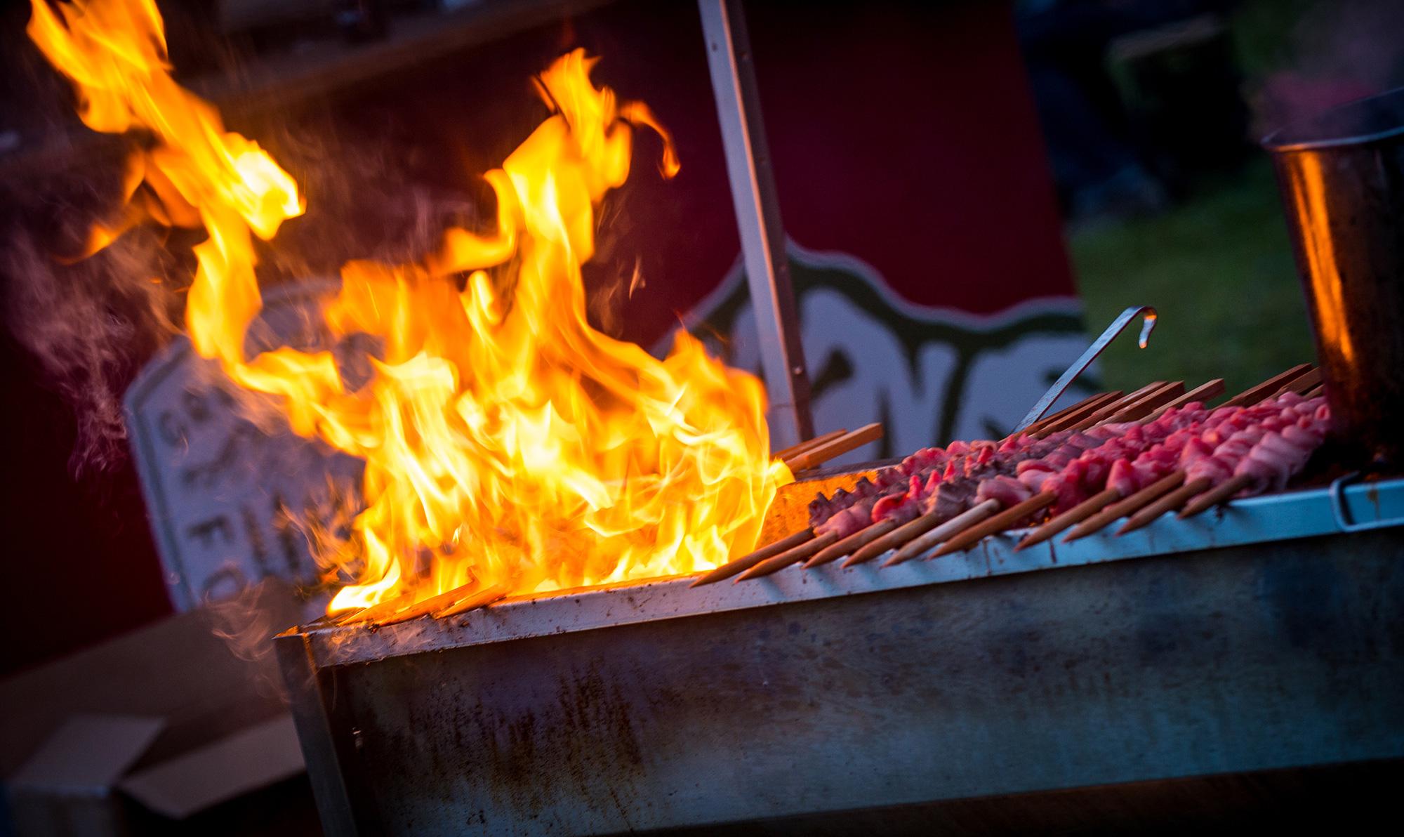 peduzzi zigeunerspiess steilalva grill rauch action